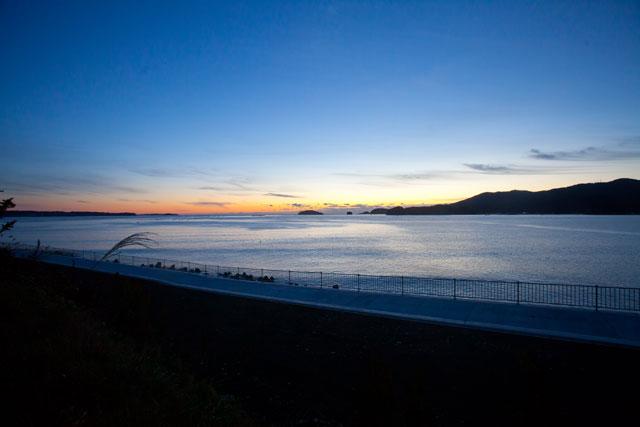 南三陸内湾の朝