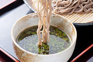 <レシピ>めかぶの温つけ蕎麦