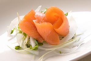 <レシピ>生風スモークサーモンのサラダ
