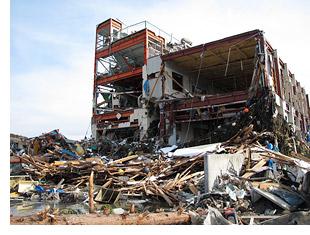 被災した山内鮮魚店自社工場
